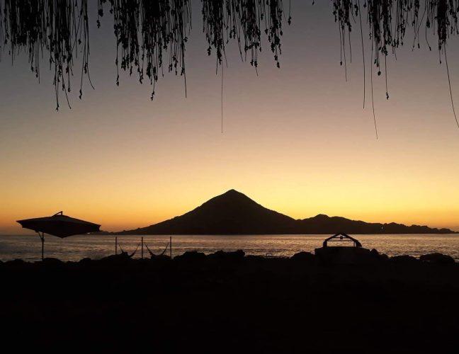 Parque Nacional Pan de Azúcar: Vista de la Isla Pan de Azúcar desde Camping Los Yecos.