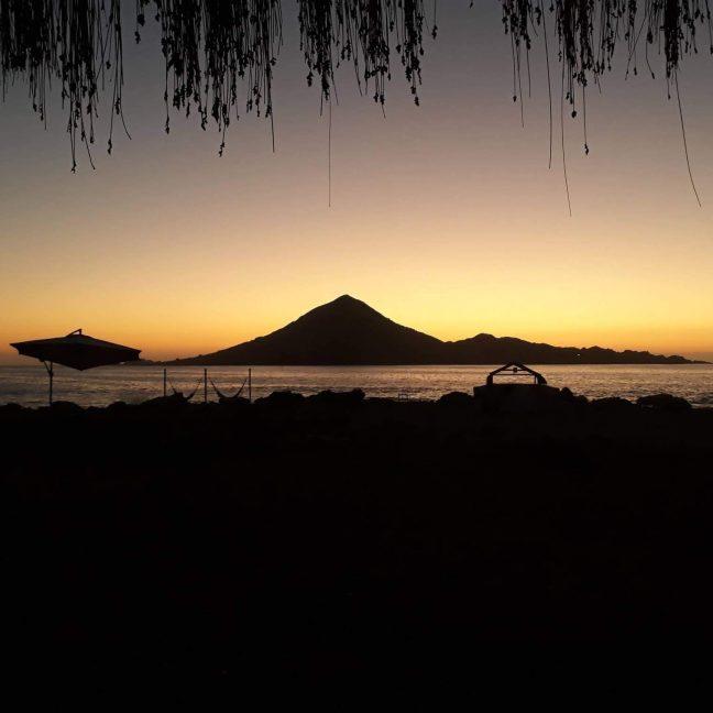 Atardecer en Camping Los Yecos, Atacama, Chile. Trekanwe Chile.